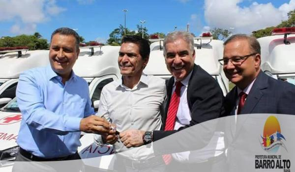BARRO ALTO RECEBE NOVA AMBULÂNCIA DO GOVERNADOR DO ESTADO.
