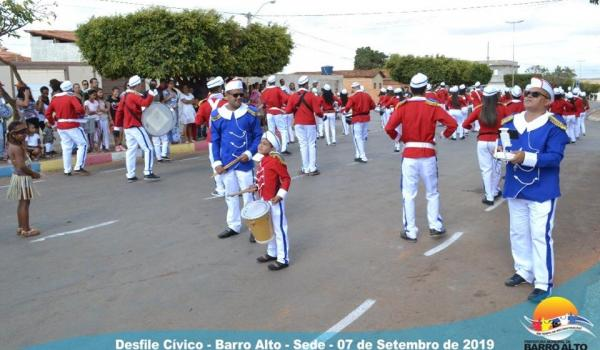 DESFILE CÍVICO 2019 - BARRO ALTO - BA