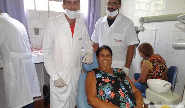 Entrega de Próteses Dentária