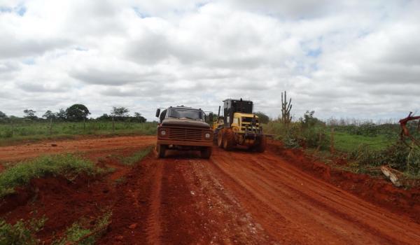 O Programa de Recuperação das Estradas Vicinais Continua
