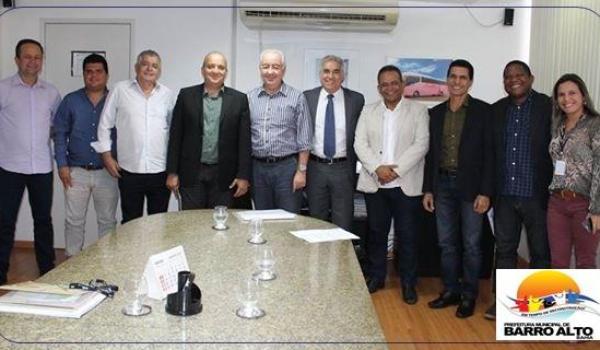 PREFEITO ORLANDO AMORIM PARTICIPA DE REUNIÃO NA SECRETARIA DE INFRAESTRUTURA DO ESTADO  – SEINFRA.